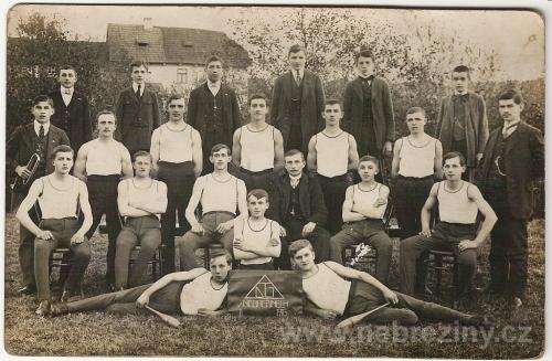 Dělnická tělovýchovná jednota v Nebřežinech 1916