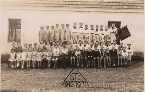 Dělnická tělovýchovná jednota v Nebřežinech 1932