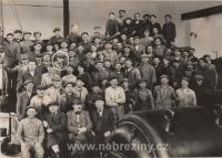 Zaměstnanci závodu Horní Bříza